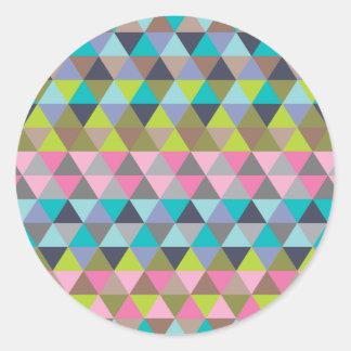 Triángulos en verdes y rosas de azules pegatina redonda