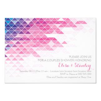 """Triángulos geométricos rosados que casan la ducha invitación 5"""" x 7"""""""