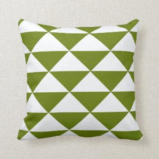 Triángulos verdes y blancos monótonos cojin