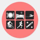 Triathlon divertido etiquetas redondas