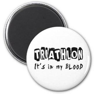 Triathlon está en mi sangre imán redondo 5 cm
