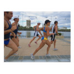 Triathloners que corre 4 postales