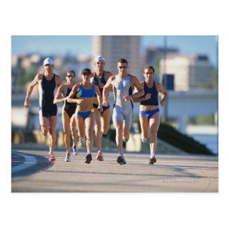Triathloners que corre 5 tarjetas postales