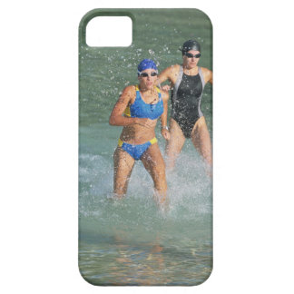 Triathloners Running out of Water iPhone SE/5/5s Case