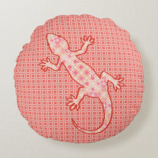 Tribal batik Gecko - coral pink and cream Round Pillow