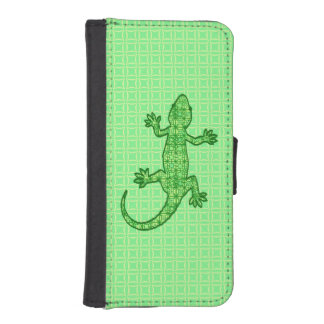 Tribal batik Gecko - lime and emerald green Phone Wallet Cases