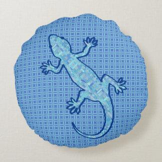 Tribal batik Gecko - soft denim blue Round Pillow