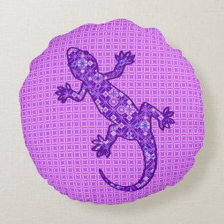 Tribal batik Gecko - violet and amethyst purple Round Pillow