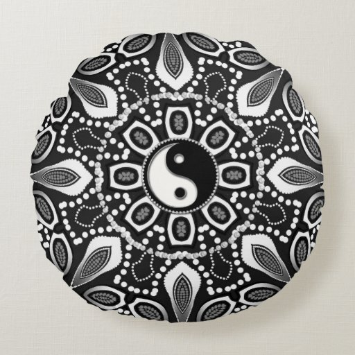 Tribal Black White Yin Yang Geometric Round Pillow