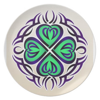 Tribal plate with green hearts
