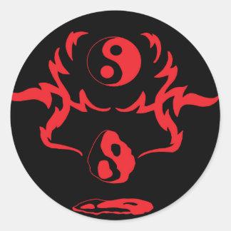Tribal urbano negro rojo de fusión de Yin Yang Pegatina Redonda