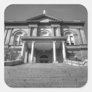 Tribunal castaño pegatina cuadrada