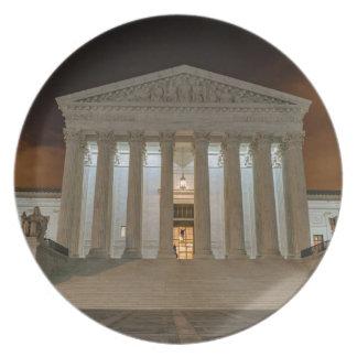 Tribunal Supremo en la noche Platos Para Fiestas