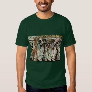 Tributbringende Africans By Maler Der Grabkammer D Shirt