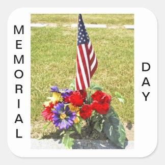 Tributo del día del monumento/de veteranos pegatina cuadrada