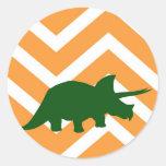 Triceratops en el galón del zigzag - amarillo etiqueta redonda