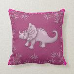 Triceratops rosado lindo de la almohada del dinosa