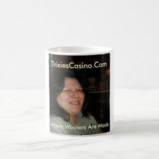 Tricia y príncipe 023, TrixiesCasino.Com, donde… Taza Clásica