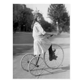Triciclo antiguo Girl, 1913 Postal