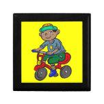 Triciclo del montar a caballo del muchacho caja de joyas