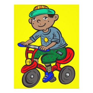 """Triciclo del montar a caballo del muchacho folleto 8.5"""" x 11"""""""