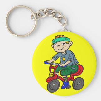 Triciclo del montar a caballo del muchacho llaveros personalizados