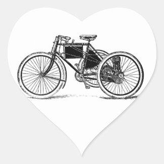 Triciclo del vintage pegatina en forma de corazón