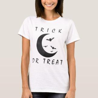 Trick Or Treat Halloween Bats Crescent Moon T-Shirt