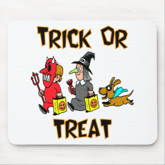 Trick Or Treat (Trick-Or-Treaters With Dog) Mouse Pad
