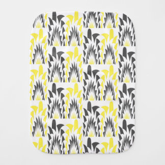 Tricolored geometric pattern burp cloth