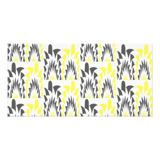 Tricolored geometric pattern card