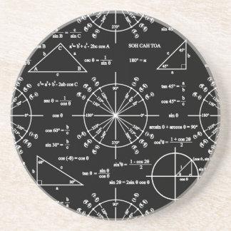 Trig y triángulos posavasos de arenisca