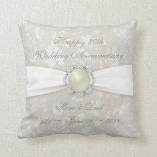 Trigésima almohada de tiro del aniversario de boda