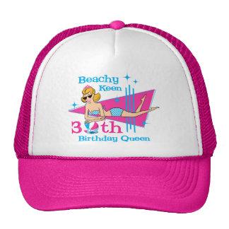 Trigésimo cumpleaños afilado con playas gorros bordados