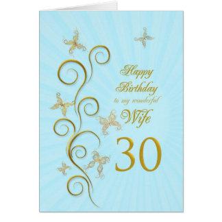 Trigésimo cumpleaños de la esposa con las tarjeta de felicitación