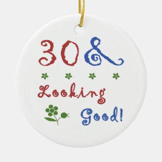 trigésimo Cumpleaños que parece bueno Ornamentos De Reyes