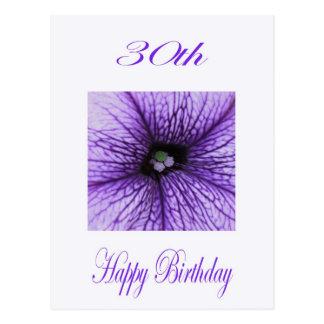 Trigésimo flor feliz de la púrpura del cumpleaños postal