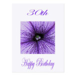 Trigésimo flor feliz de la púrpura del cumpleaños tarjetas postales