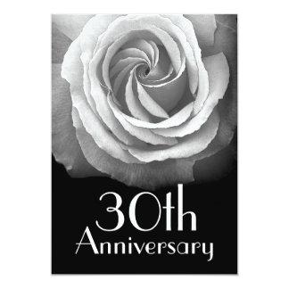 trigésimo Rosa blanco de plata del aniversario Invitación 12,7 X 17,8 Cm