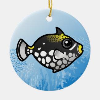 Triggerfish del payaso adorno navideño redondo de cerámica