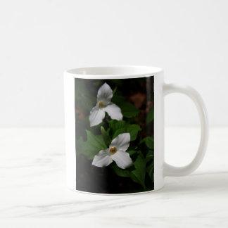 Trillium mug