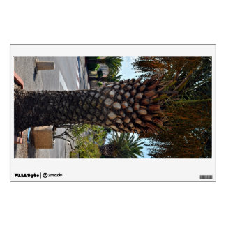 Trimmed palm tree close up wall decal