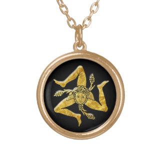 Trinacria siciliano en oro collar dorado
