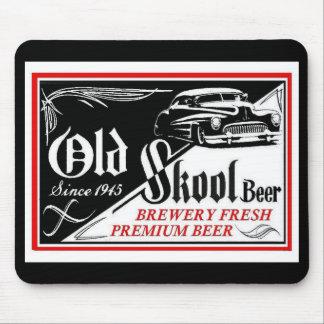 trineo viejo de la cerveza del skool alfombrilla de raton