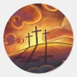Trinidad - cruz triple en los pegatinas de la pegatina redonda