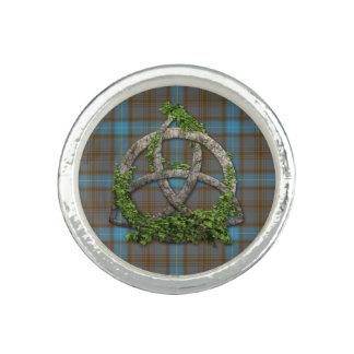 Trinidad del Celtic del tartán de Hannah del clan Anillo