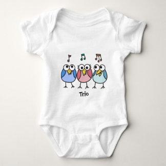 Trío de Byrdies del chica y del bebé de los Playera