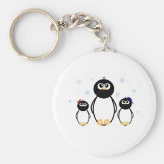 Trío del pingüino llavero redondo tipo pin