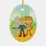 Trío en el ornamento amarillo del navidad del cami adorno de reyes