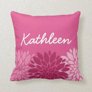Trío floral rosado bonito con nombre cojín decorativo